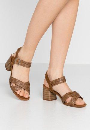 TIGRIS - Sandały - brown