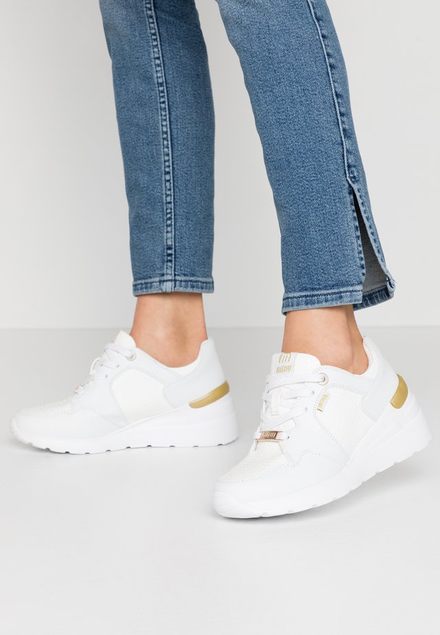 MELANIA - Sneakers - trenza blanco