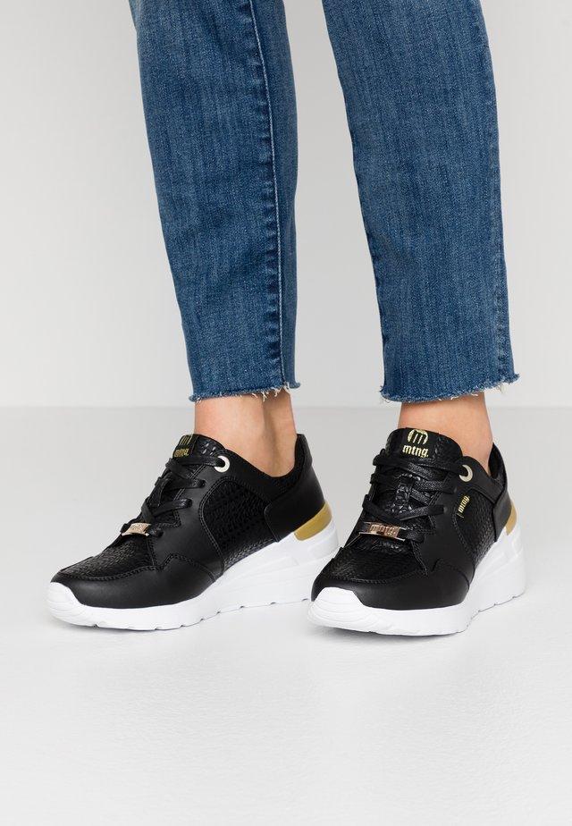 MELANIA - Sneakers - trenza