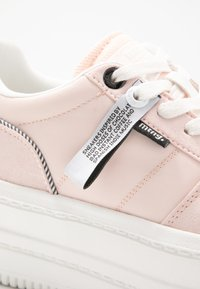 mtng - IVY - Trainers - soft rosa claro - 2