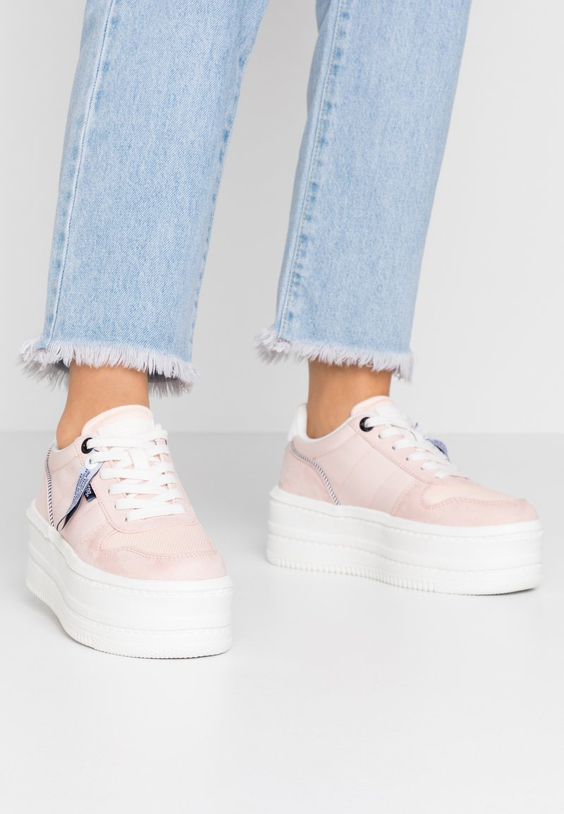 mtng - IVY - Trainers - soft rosa claro