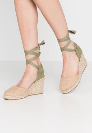 NEW PALMER - Sandaler med høye hæler - join arena/verde claro/beige claro