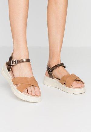 TOLTECA - Platform sandals - super metallic bornce/matisse camel