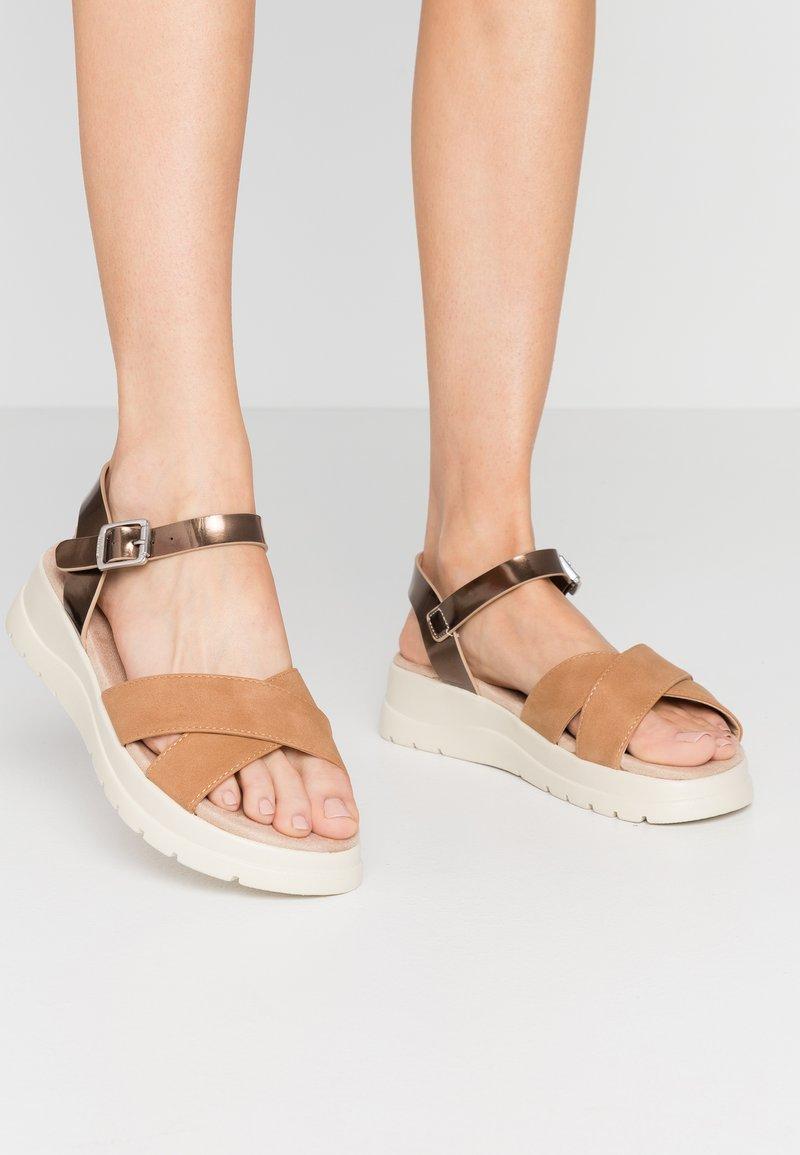 mtng - TOLTECA - Platform sandals - super metallic bornce/matisse camel