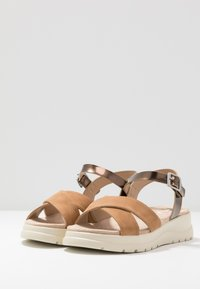 mtng - TOLTECA - Platform sandals - super metallic bornce/matisse camel - 4