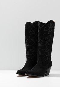 mtng - CENTA - Cowboy/Biker boots - black - 4