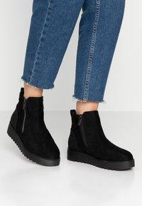 mtng - NEW SCHOOL - Korte laarzen - black - 0