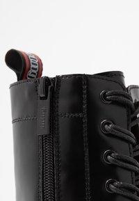 mtng - STORM - Kotníkové boty na platformě - polly/muliticolor - 2