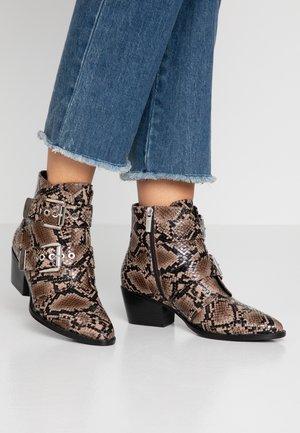 NEW OEST - Kovbojské/motorkářské boty - teja