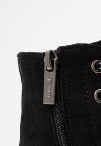 mtng - ARES - Kotníkové boty na platformě - black - 2