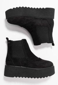 mtng - HIGH SCHOOL - Kotníkové boty na platformě - black - 3