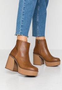 mtng - SETENTA - Kotníková obuv na vysokém podpatku - god - 0