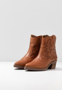 mtng - TEO - Cowboy/biker ankle boot - brown - 4