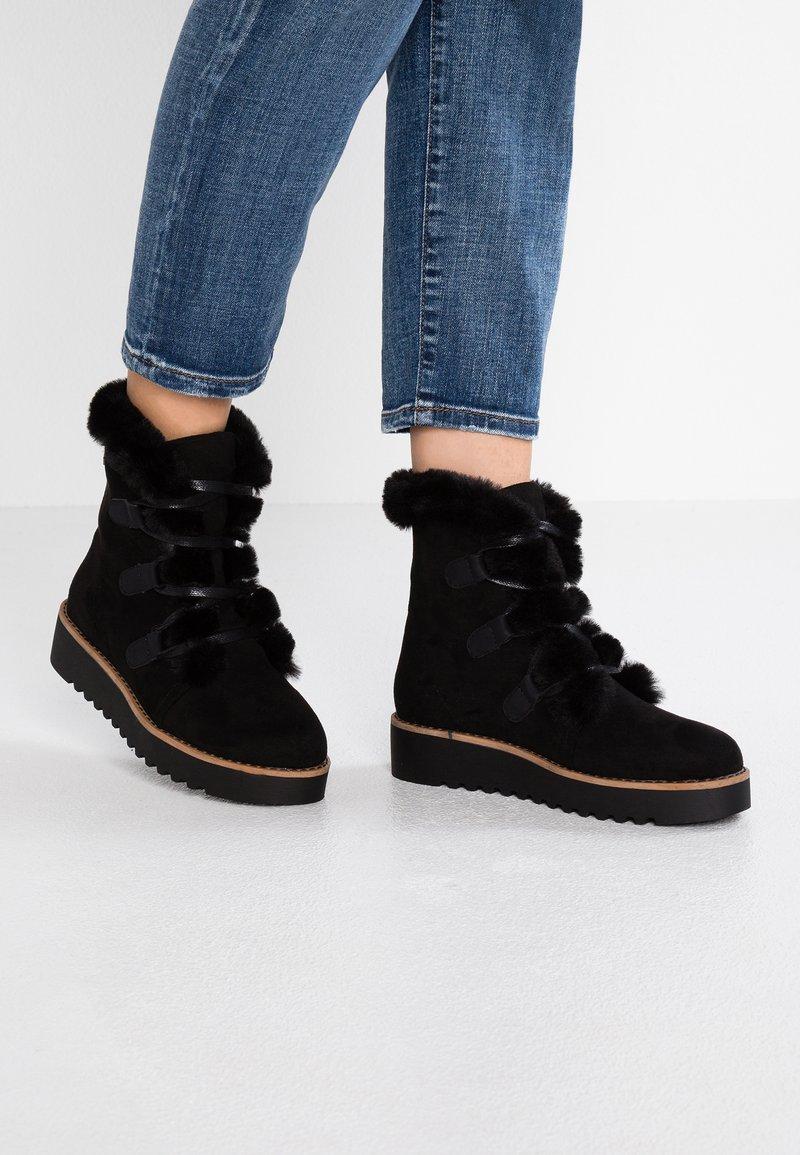 mtng - NEW SCHOOL - Platform ankle boots - antil black