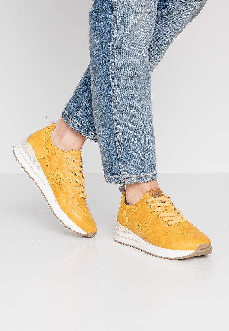 Mustang - Sneakers - gelb