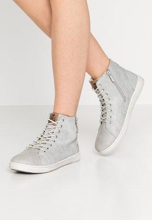 Sneakers high - hellgrau