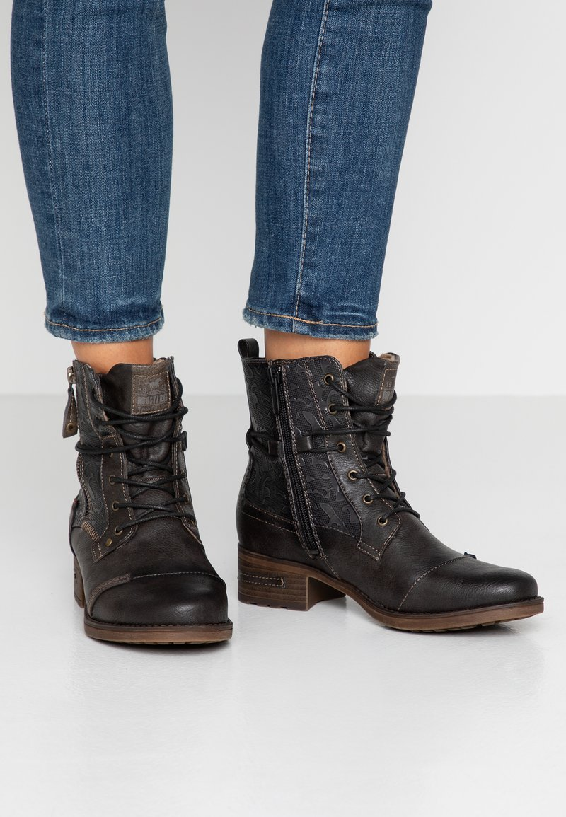 Mustang - Lace-up ankle boots - mokka