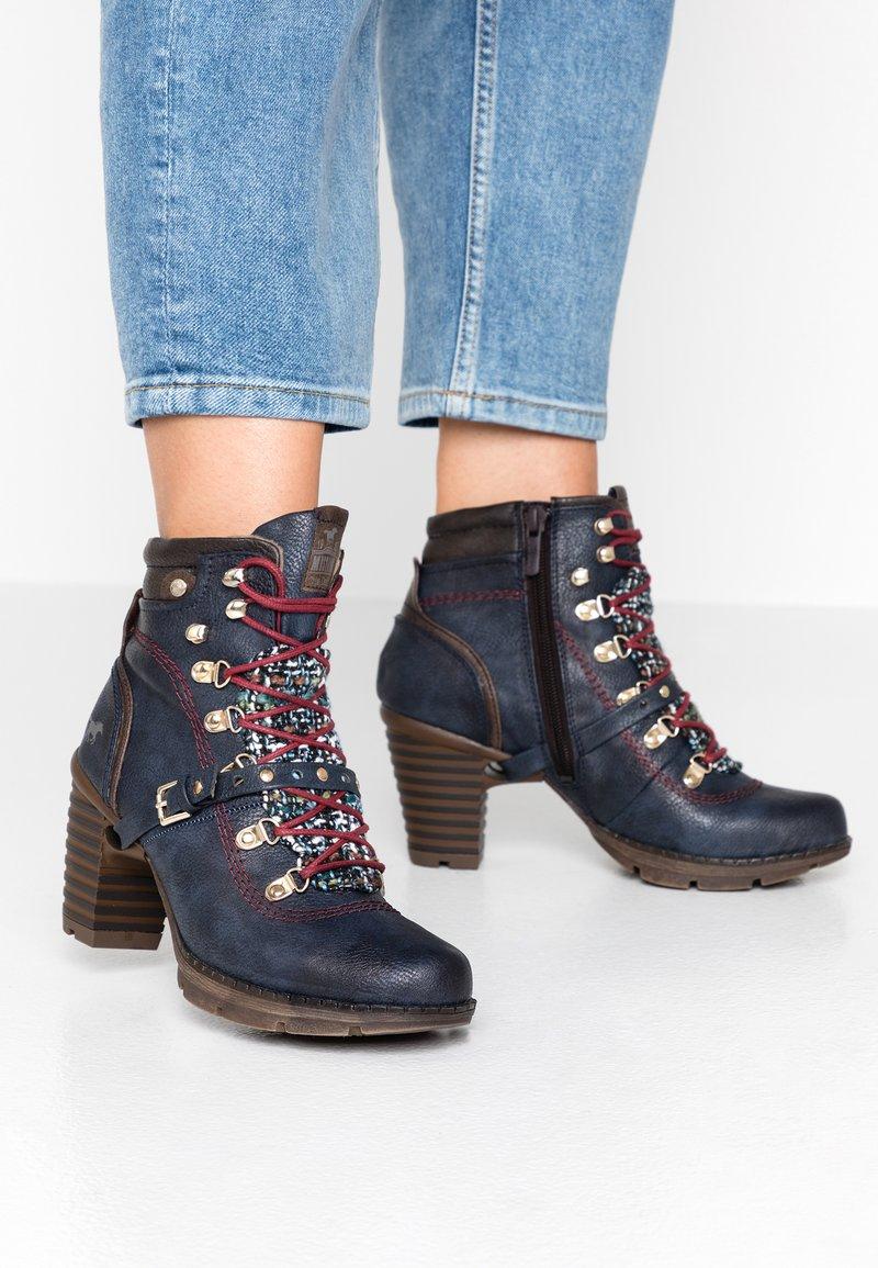 Mustang - Boots à talons - navy