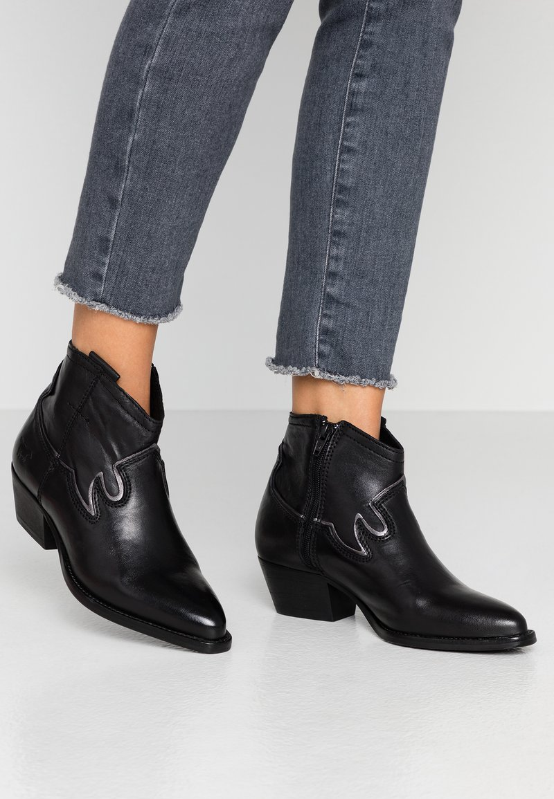 Mustang - Ankle boot - schwarz