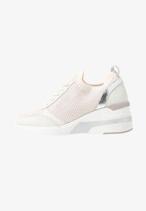 Sneakersy niskie - ice