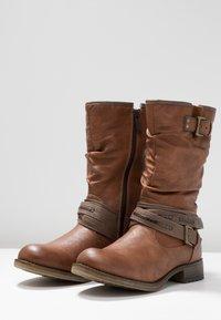 Mustang - Zimní obuv - kastanie - 4