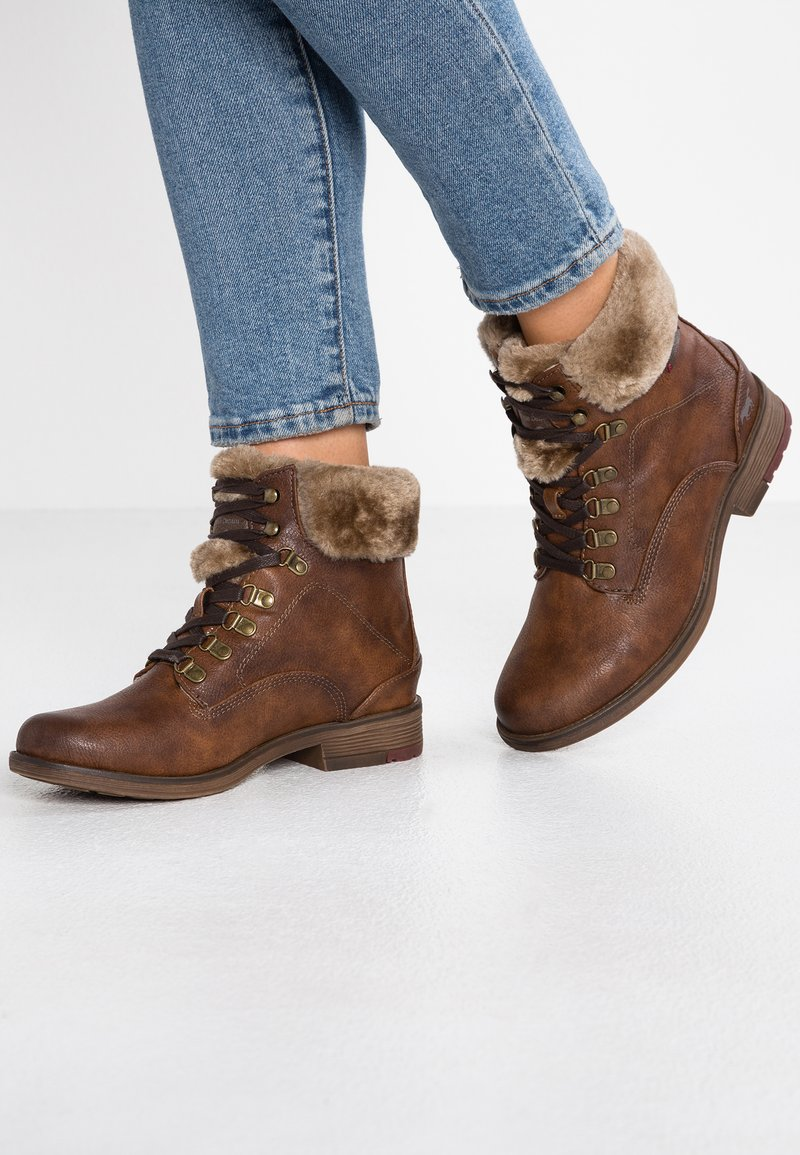Mustang - Lace-up ankle boots - kastanie
