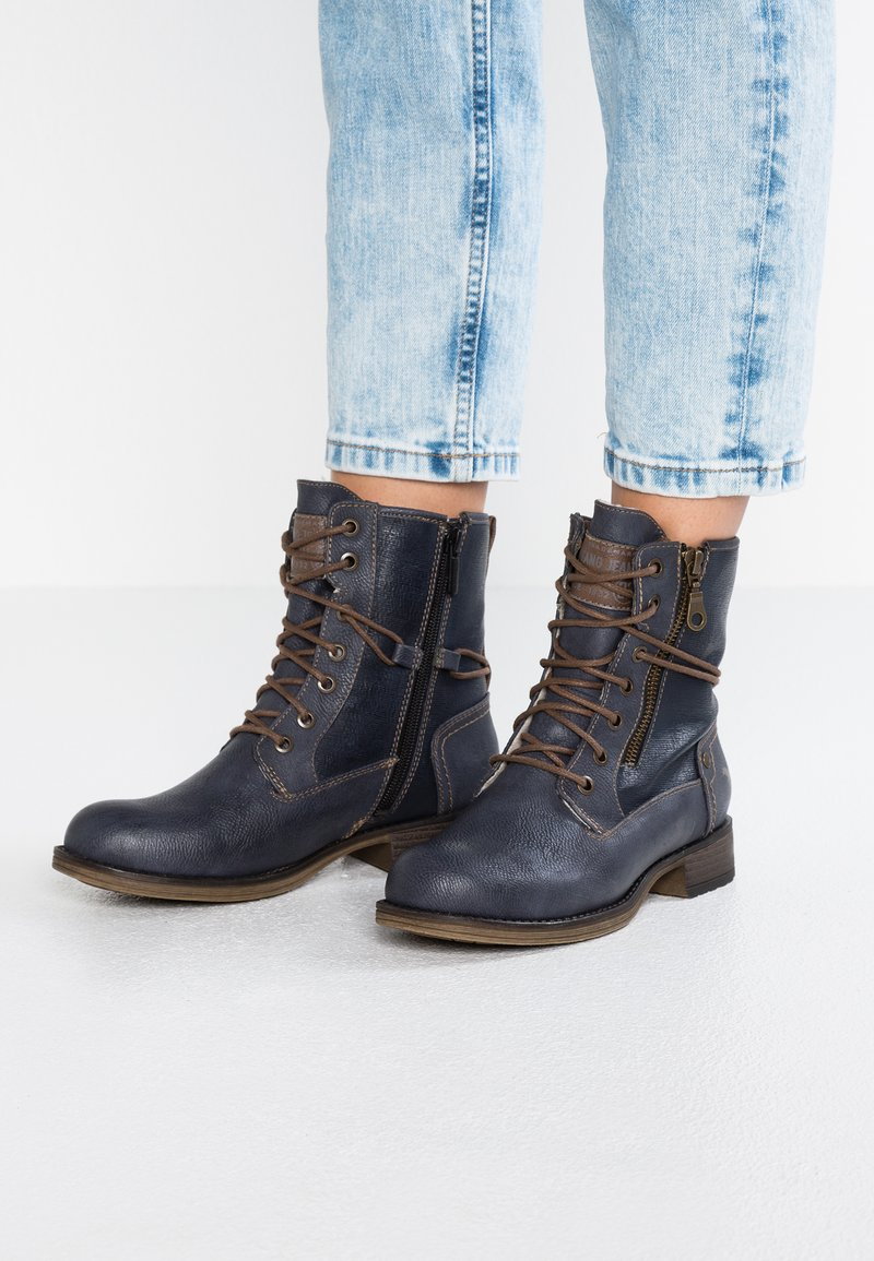 Mustang - Lace-up ankle boots - dunkelblau