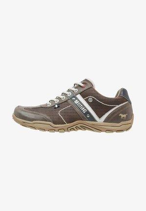 Sneakersy niskie - dunkelbraun
