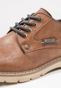 Mustang - Chaussures à lacets - kastanie - 5