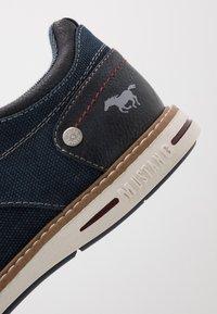 Mustang - Volnočasové šněrovací boty - dunkelblau - 5
