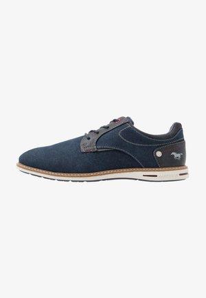 Chaussures à lacets - dunkelblau