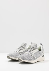 Mustang - 4132-301 - Sneaker low - offwhite - 2