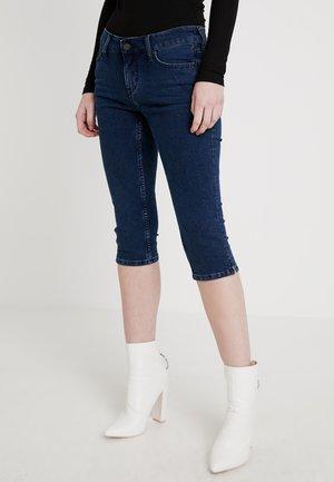 JASMIN CAPRI - Jeans Short / cowboy shorts - denim blue / medium dark
