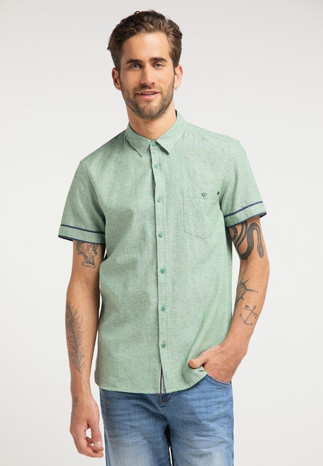 CHRIS - Shirt - grün