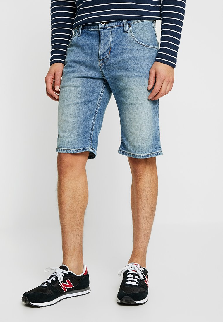 Mustang - 5-POCKET - Jeans Shorts - denim blue
