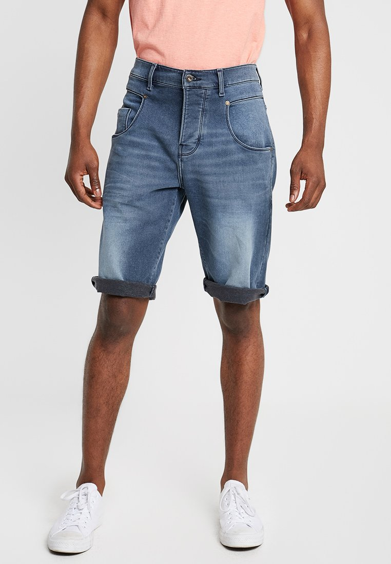 Mustang - DENIM BERMUDA - Denim shorts - denim blue