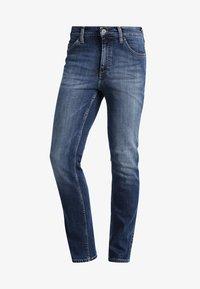 Mustang - TRAMPER - Slim fit jeans - super stone washed - 5