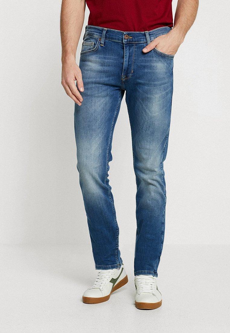 Mustang - VEGAS - Slim fit jeans - denim blue