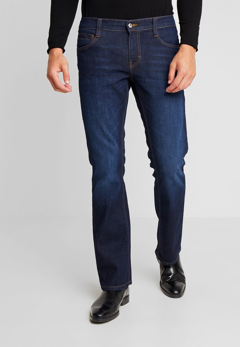 Mustang - OREGON - Bootcut jeans - super dark