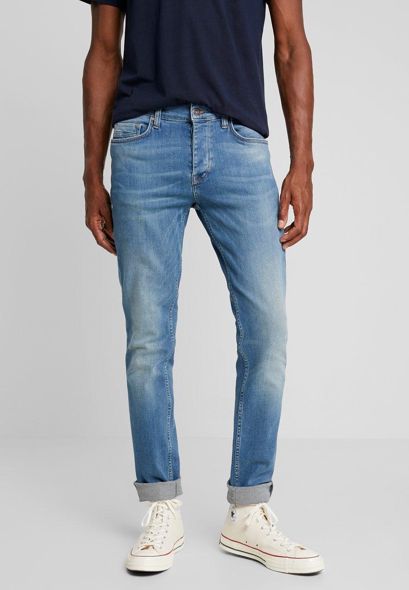 Mustang - VEGAS - Jeans Slim Fit - medium middle