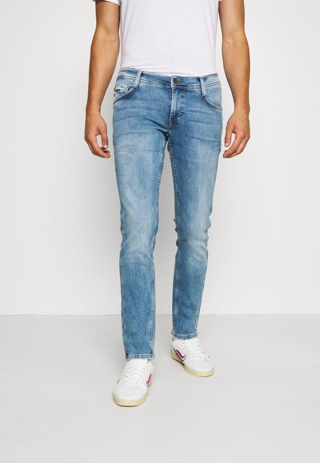 OREGON  - Jeans Tapered Fit - blue denim