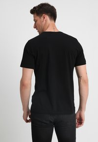 Mustang - C-NECK 2 PACK - T-shirt - bas - black - 2