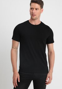 Mustang - C-NECK 2 PACK - T-shirt - bas - black - 1