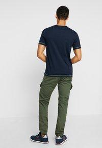 Mustang - ALEX - T-shirt imprimé - dark saphire - 2