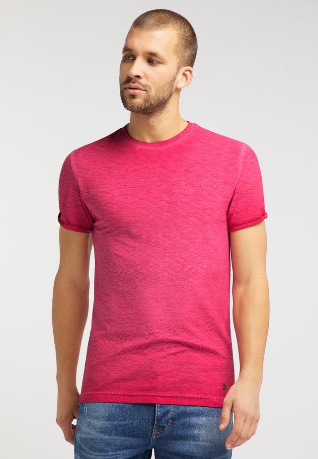 AARON C CPD - Basic T-shirt - rot
