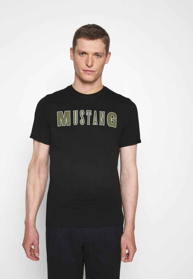 ALEX C - T-shirt med print - black