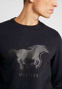 Mustang - BEN LOGOPRINT - Sweatshirt - caviar - 4