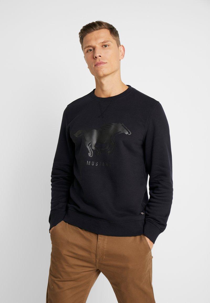 Mustang - BEN LOGOPRINT - Sweatshirt - caviar