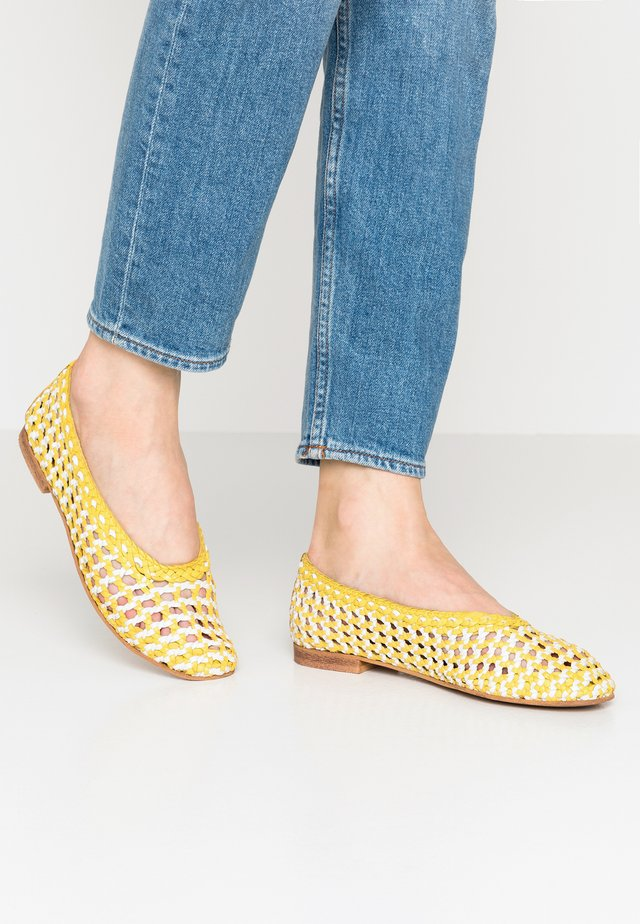 SELINE - Baleriny - yellow