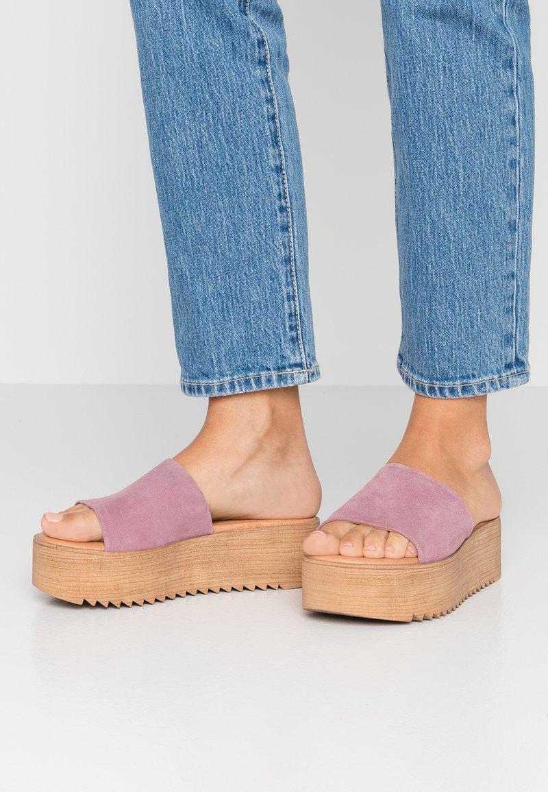 Musse & Cloud - KENDRIA - Pantofle na podpatku - lila